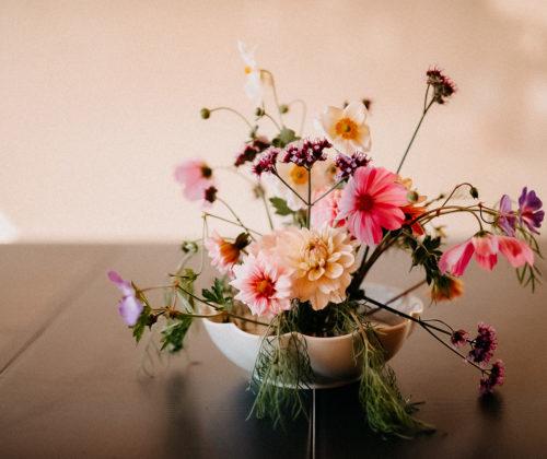 DIY Flower arrangement with Dahlias, Cosmos and Verbena